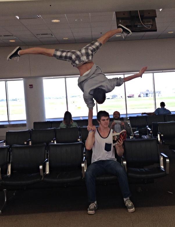 gimnastii la aeroport
