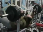 VIDEO – Cum să nu împingi la piept! :))))