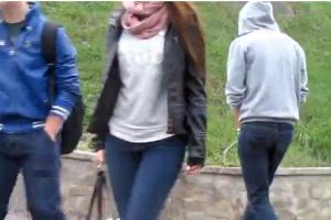 pipi in public