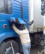 Aşa se nasc şoferii de camion!! :)))