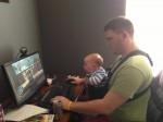 În ziua de azi şi bebeluşii se joacă la calculator! :))