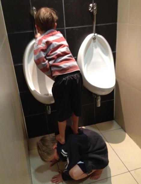 prietenul la nevoie se cunoaste