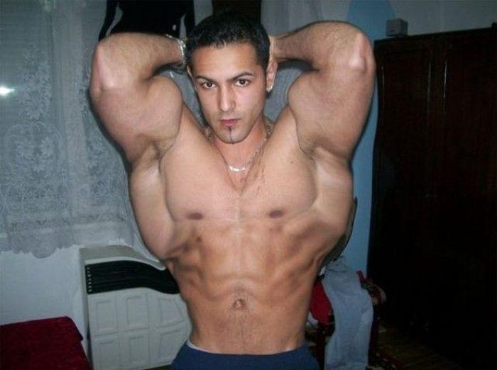 cel mai musculor roman